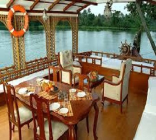 breakfast in houseboat