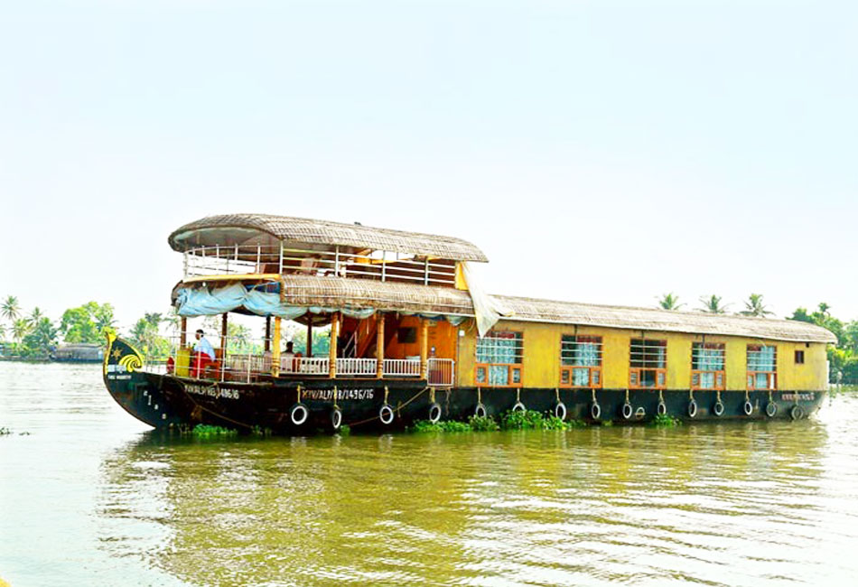 day cruise deluxe houseboat package